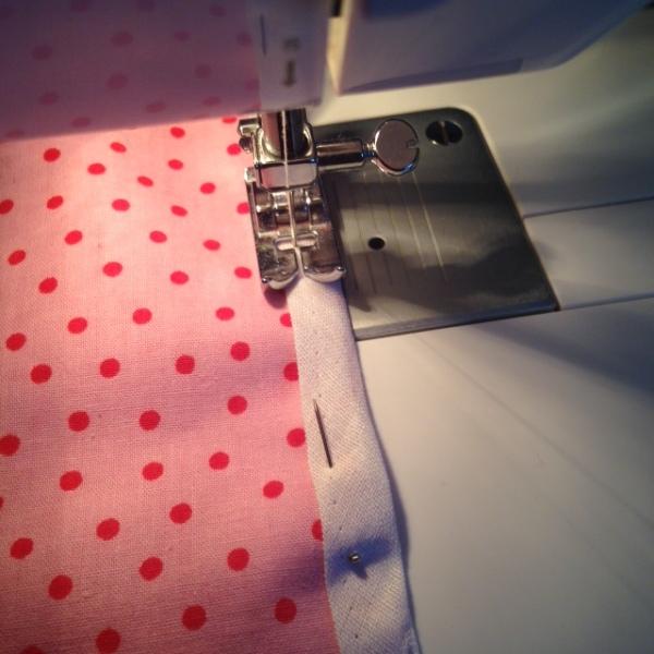 Sewing pennants onto cotton bias